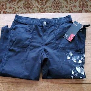 Style & Co NWT Black Capri Pants - 6